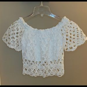 Windsor cold shoulder layered crop top white Small